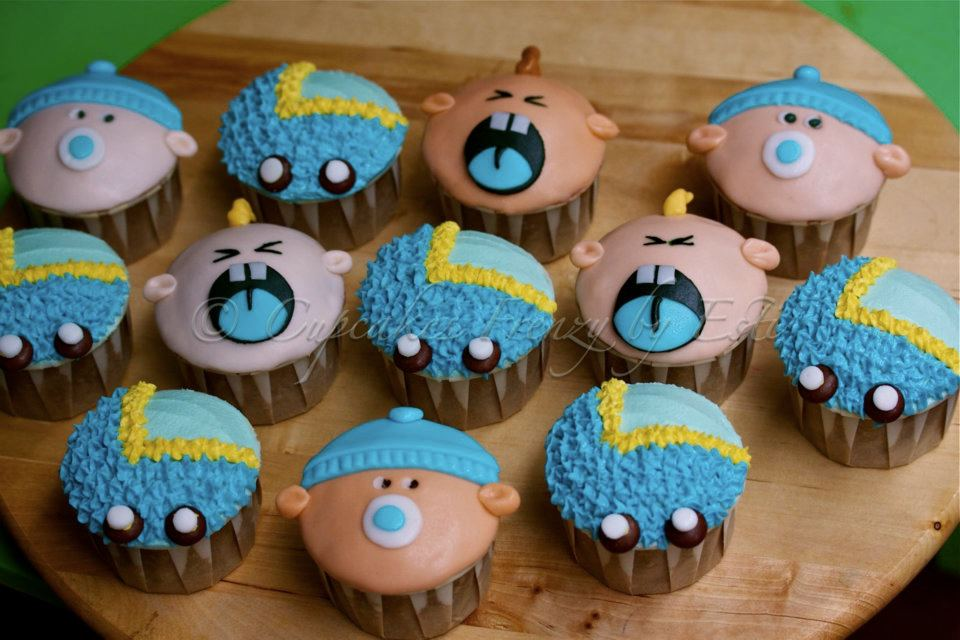 12 chocolate cupcakes for Baby shower cupcake decoration