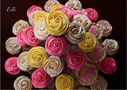 Roses for Mama Rose Cupcakes Frenzy