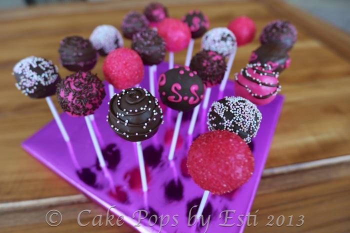 © Esti 2013 cake pops