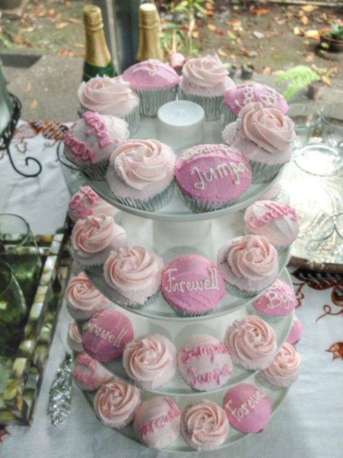 farewell cupcakes