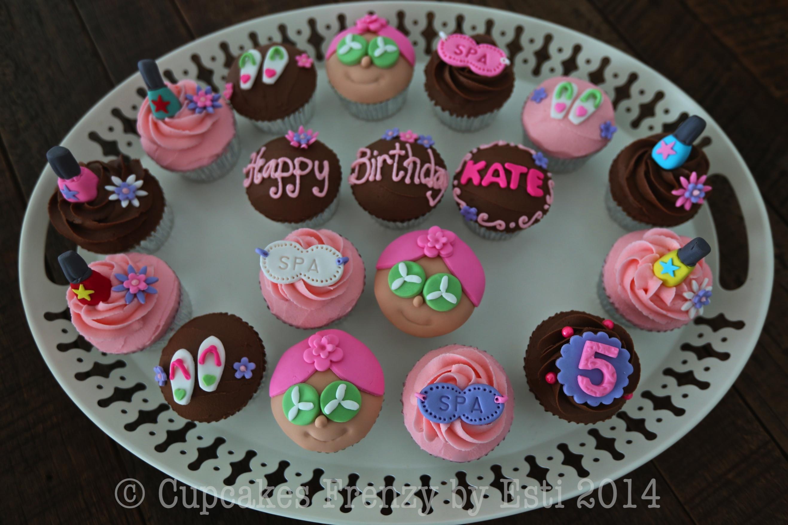 Fondant Cupcakes Frenzy