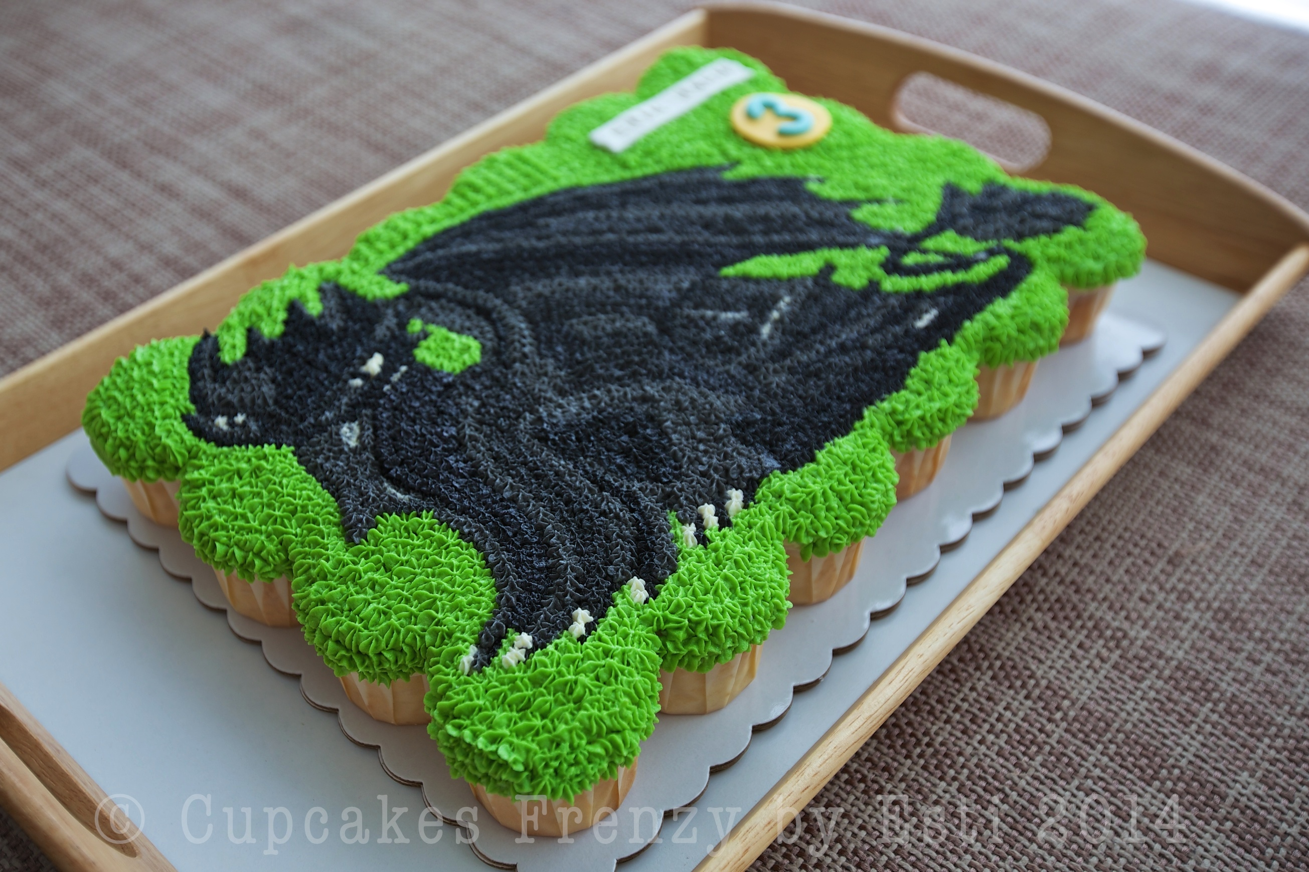 Dragon cupcake cupcakes frenzy toothless 1 have you seen the movie how to train your dragon ccuart Choice Image