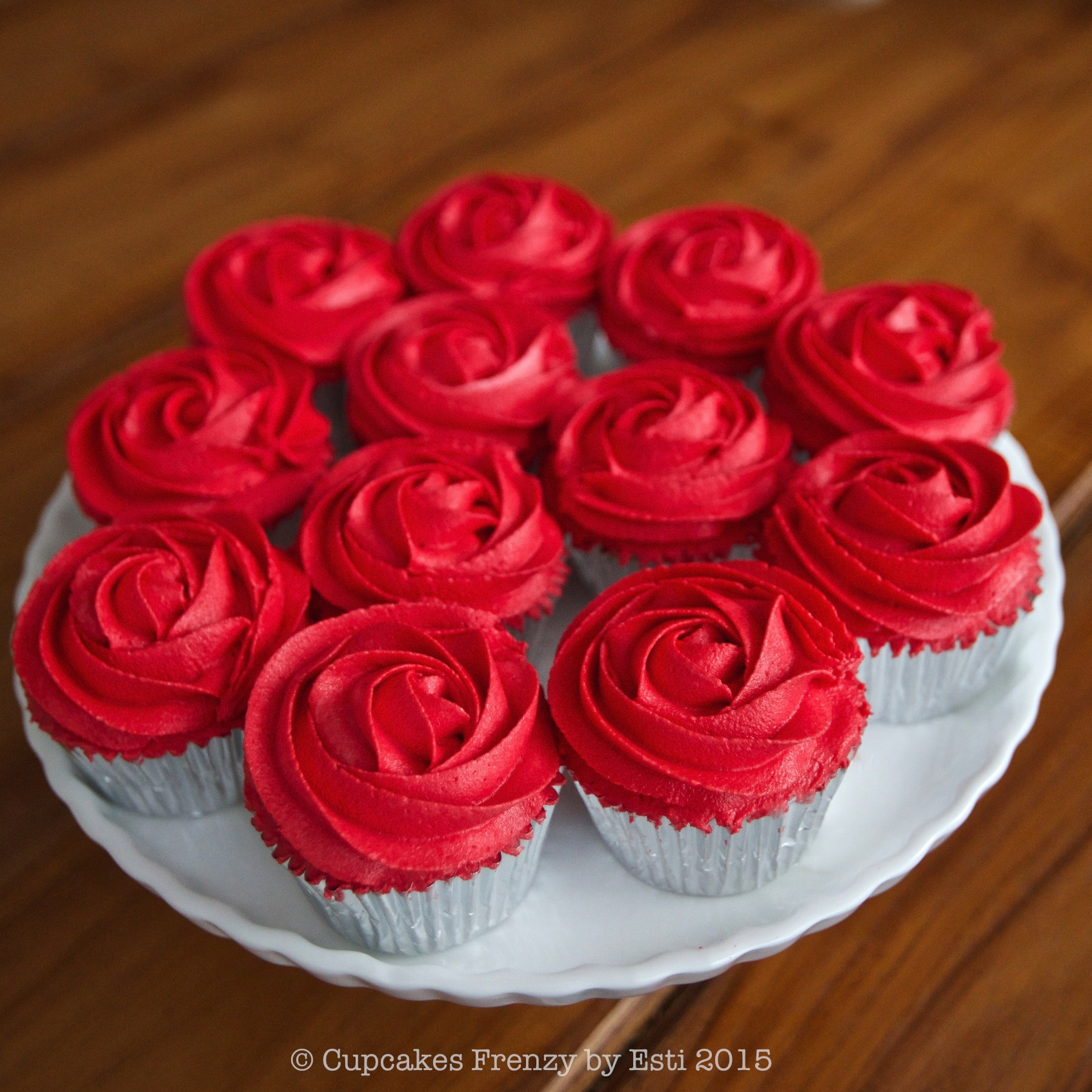 Red Mini Frosting Roses
