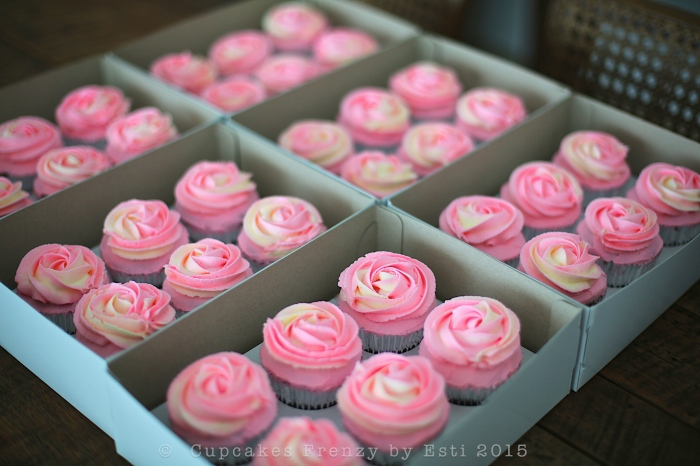 2 tone roses in box