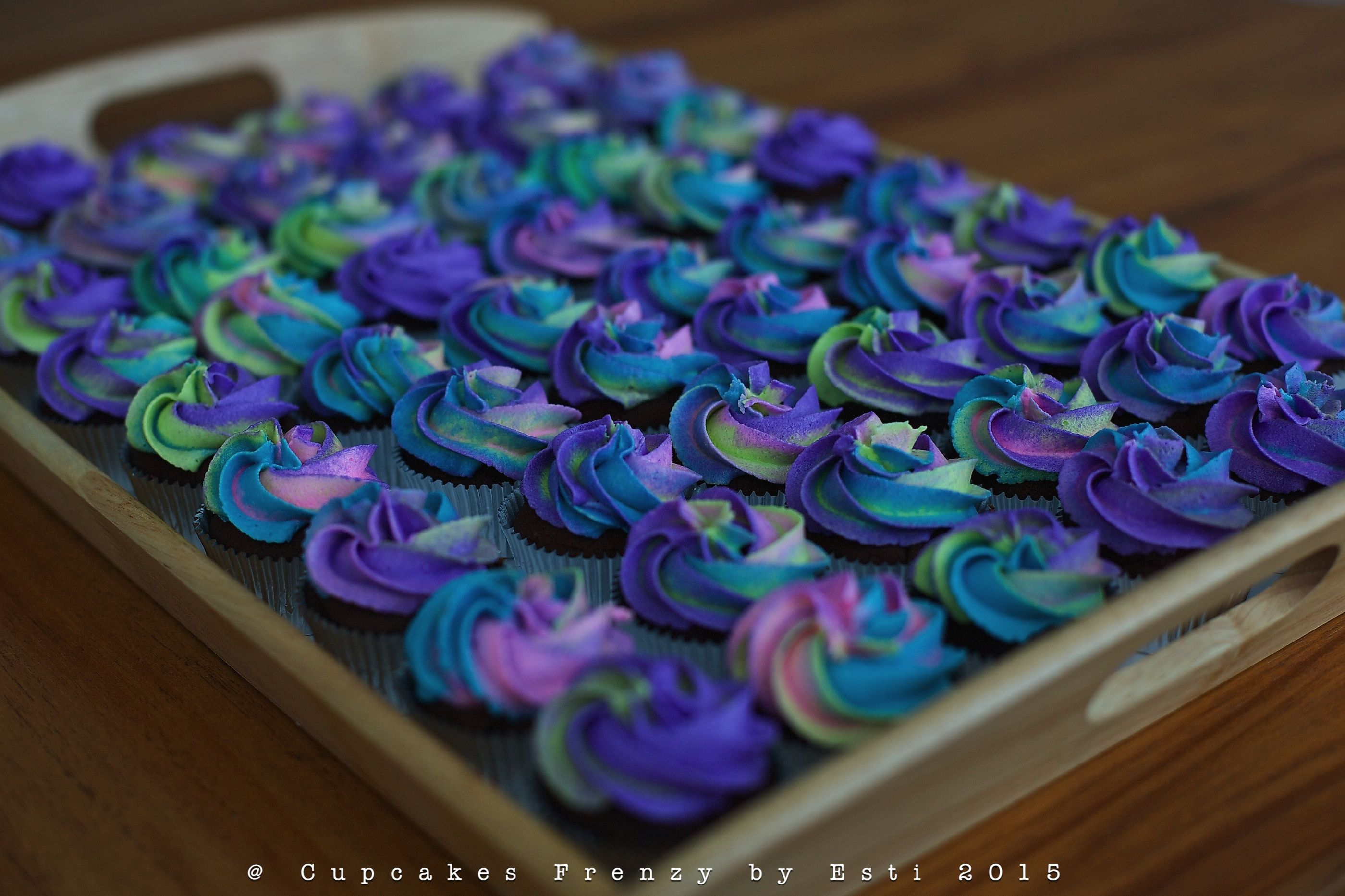 Gallery For Blue And Purple Cupcakes